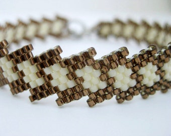 Peyote Bracelet / Beaded bracelet in Brown and Cream / Seed Bead Bracelet / Beadwoven Bracelet / Beadwork Bracelet / Thin Bracelet