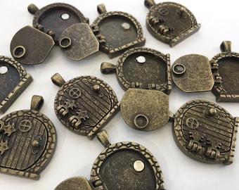 DEFECTED - FIVE Misfit Antiqued Brass Fairy Door Lockets - Missing Magnet- DEFECTED-