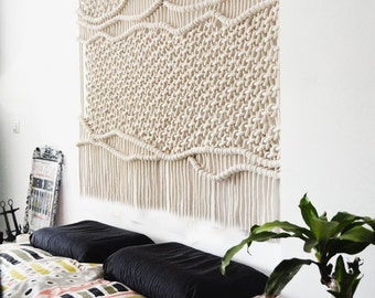 Tucan Macrame wall hanging / Modern Macrame / Tapestry / Wall Art