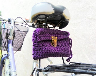 Crochet bag for rear carrier, or to the seat. Purple.