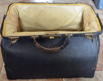Very old and worn doctor's bag!  WoW!!