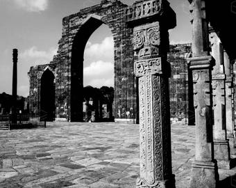INDIAN RUINS - black and white