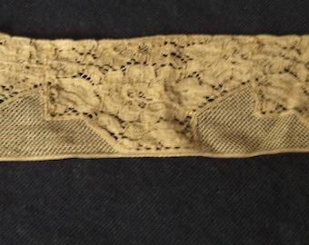 lace color ochre width 5 cm length 0.95 cm