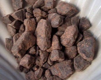 Dragons Blood Incense Wildharvested Resin with 3 Charcoal Tablets, 1 oz