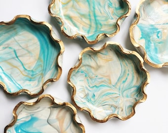 SCALLOPED TURQUOISE // Handmade Marbled Polymer Clay Jewelry Dish, Ring Dish, Trinket Dish, Ring Holder, gifts for her