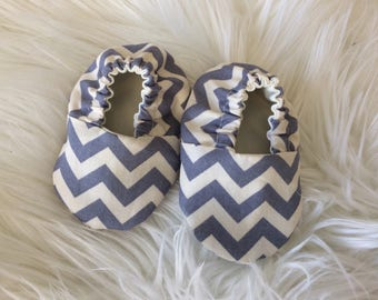 Cute chevron Baby Boy Shoes, soft sole baby  booties, crib shoes, handmade baby boy, babyshower gift, newbaby gift.