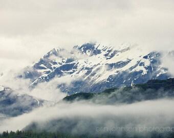 photographie d'Alaska glacier bay voyage photographie paysage enneigé grand salon art vert bleu décor à la maison - montagne et le brouillard