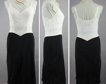 Black & White Vanity Fair Vintage 50s Full Slip Nylon and Lace Drop Waist S