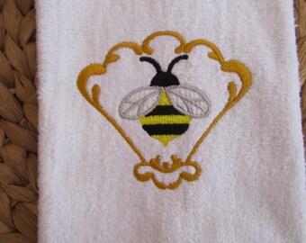 Heirloom Honeybee Fan - Fingertip Velour Bathroom Towel 11x18 - JD Designs