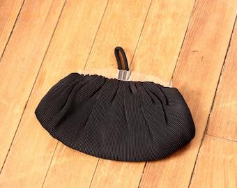 art deco evening bag . vintage black clutch bag with lucite handle . pleated soft body purse