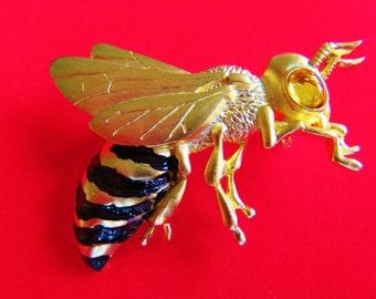 JJ Jonette Gold Tone Big Eyed Bumble Bee Brooch Pins