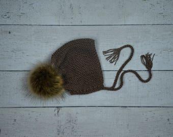 baby knit pom pom bonnet,baby pom pom hat,knit photo prop,baby neutral color bonnet,knit pom pom bonnet,baby knit bonnet,baby hat 3-6 months