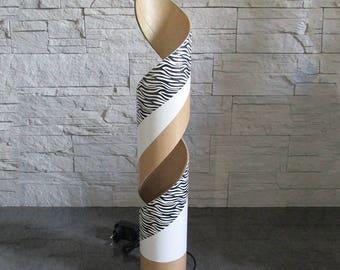 Lampe à leds décorative en carton blanche en spirale avec effets zébrés noirs - Exemplaire unique