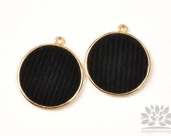 P922-G-BK// Gold Plated 28mm Black Velvet Stripe Flat Round Pendant, 2pcs