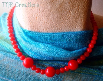 Red Beaded Choker. Beaded Necklace. Red beads.