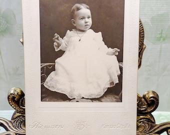 Antique Photograph Baby/Victorian photographs/black and white photos/old baby photos/old photos/Edwardian photos/antique pictures