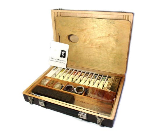 Vintage Artists Box by Windsor and Newton