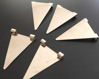 100 pcs Silver Brass 16,5x25 mm Triangle Necklace