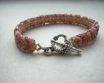 Chevron beaded bracelet with warm colors