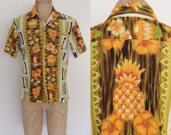 1970's Men's Hawaiian Floral Pineapple Print Button Up Mens Medium by Maeberry Vintage