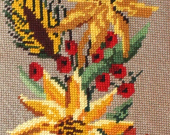 Lovely Completed Vintage French Needlepoint Tapestry 'Country Side Flowers' Hand Sewn (5267s)