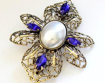 Vintage Brooch with Pearl Cabochon, Antique Gold, 58x42mm (B1-8)