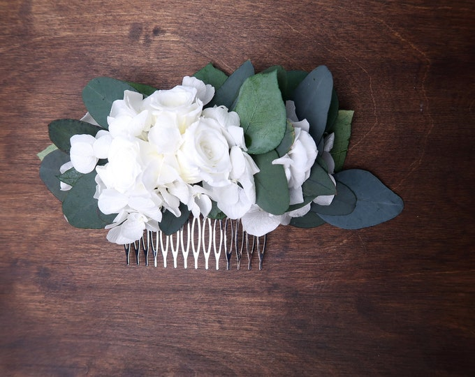 White hydrangea and roses Eucalyptus greenery wedding hair comb Preserved real flowers boho wedding Bridal hairpiece delicate romantic style