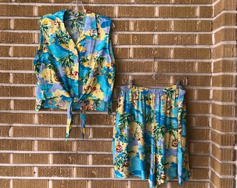 xl- two piece set, crop top and matching shorts, tropical
