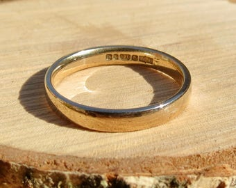 vintage 9K yellow gold band.