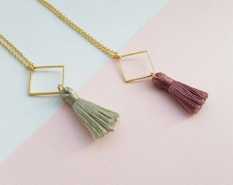 Chain tassel necklace with diamond and tassel,