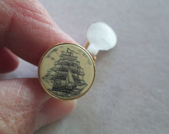 Barlow vintage mens tie tack gold with schonner sailing ship or pirate ship