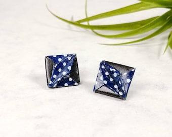 Boucles d'oreilles marine à pois | Bijou en papier  | Boucles d'oreilles puces | Origami par Ökibo