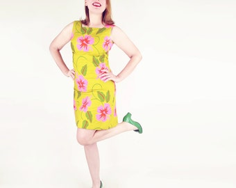 60s Mod Hawaiian Dress in Green Cotton with Hot Pink and Red Flowers S