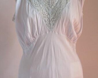 Vintage Nightgown//Peignior//XL Nightgown