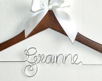 Bridesmaid Hanger, Wedding gift, Name hanger, Bridal Shower Gift, Personalized Bridesmaid Hanger, Custom Bridesmai gifts, dress hanger,