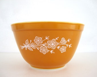 Pyrex Mixing Bowl Nesting Butterfly Gold 401 Small 1970s