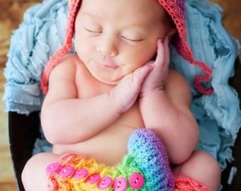 Crocodile Stitch Booties - Crochet Baby Booties - Newborn Photo Prop - Rainbow Baby Outfit