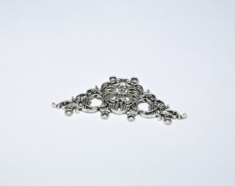BR369 - 1 large charm in silver