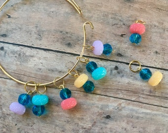 Stitch marker set on a wire bracelet - sugared donuts, set of 8