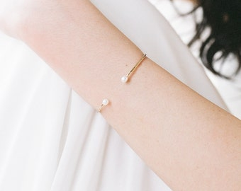 Marie // Cuff With Freshwater Pearls