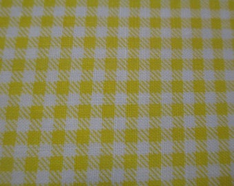 1 cut of fabric has yellow and white gingham 20x25cm 100% cotton pattern