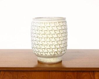 Ceramic Stoneware Planter — Large Delta pattern —White Glaze — P49