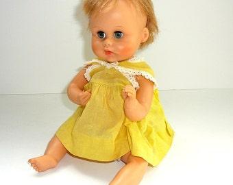 POUPÉE vintage des années 1960 Baby Doll