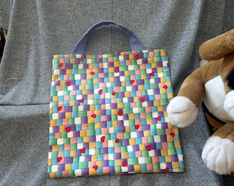 Book Lunch N Small Gift Tote Bag, Quilted Hearts Print