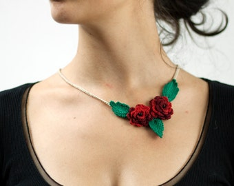 Handmade crochet necklace with roses and leaves gift mother friend Bridesmaid