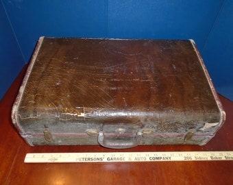 Old samsonite suitcase. Vintage suitcase. Up cycle supply. Re purpose. Suitcase. Luggage. Case