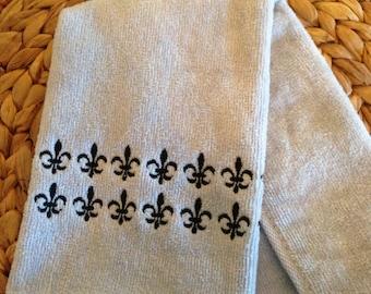 Fleur de Lis Rows - Fingertip Velour Bathroom 11x18 Towel - JD Designs
