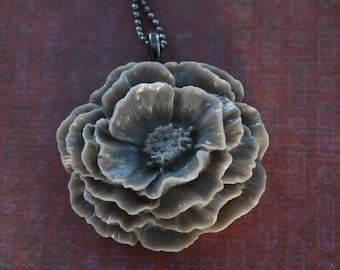 Vintage style poppy necklace