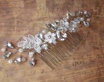 Crystal Hair Comb, Bridal Hairpiece, Wedding Hair Comb, Crystal Hair Vine, Pearl Hair Accessories, Ivory Headpiece, Bridal Hair Comb Vintage