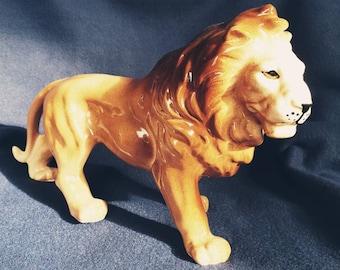Vintage Ceramic Lion Figurine.